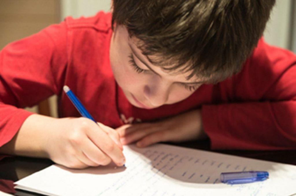 La falta de escritura a mano podría causar conductas impulsivas y altas emociones