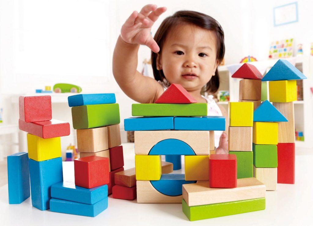 Habilidades visuales-espaciales: El «juego de herramientas» de navegación de su hijo para la lectura y las matemáticas